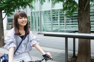 自転車イメージ・アップの写真素材 [FYI04659107]