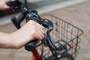 自転車イメージ・アップの写真素材 [FYI04659130]