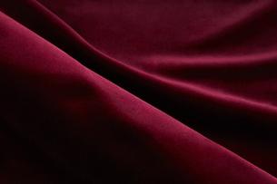 背景素材 赤いベロア ドレープの写真素材 [FYI04659732]