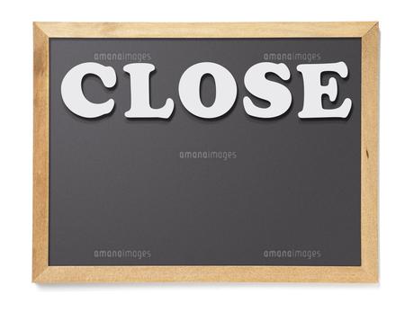黒板(BLACK)  CLOSEの写真素材 [FYI04659940]