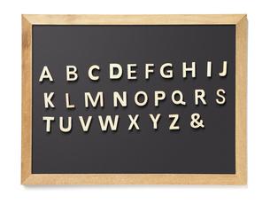 黒板 A to Zの写真素材 [FYI04659941]