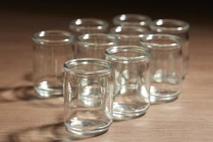 ガラスの小瓶の写真素材 [FYI04659960]