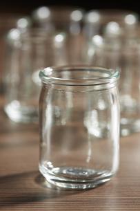 ガラスの小瓶の写真素材 [FYI04659969]