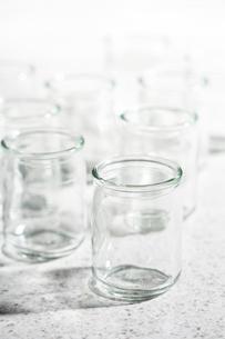 ガラスの小瓶の写真素材 [FYI04659970]