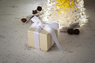 クリスマスプレゼント ギフトボックスの写真素材 [FYI04660011]