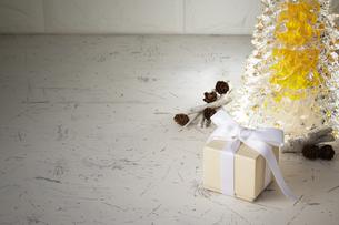 クリスマスプレゼント ギフトボックスの写真素材 [FYI04660013]
