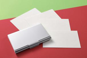 白紙のカード-名刺-メッセージカード-ビジネス-テンプレート-デザインの写真素材 [FYI04660016]