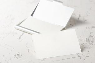 白紙のカード-名刺-メッセージカード-ビジネス-テンプレート-デザインの写真素材 [FYI04660021]