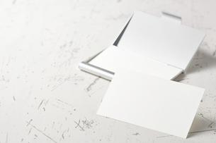 白紙のカード-名刺-メッセージカード-ビジネス-テンプレート-デザインの写真素材 [FYI04660025]