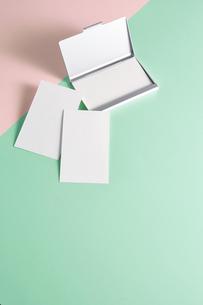 白紙のカード-名刺-メッセージカード-ビジネス-テンプレート-デザインの写真素材 [FYI04660029]