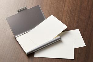 白紙のカード-名刺-メッセージカード-ビジネス-テンプレート-デザインの写真素材 [FYI04660035]
