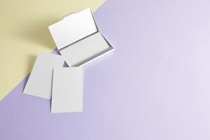 白紙のカード-名刺-メッセージカード-ビジネス-テンプレート-デザインの写真素材 [FYI04660037]