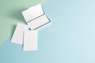 白紙のカード-名刺-メッセージカード-ビジネス-テンプレート-デザインの写真素材 [FYI04660038]