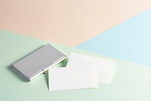 白紙のカード-名刺-メッセージカード-ビジネス-テンプレート-デザインの写真素材 [FYI04660045]