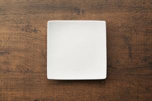 スクエアプレート (square plate)の写真素材 [FYI04660070]