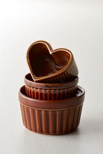 小鉢-テーブルセッティング-ハート型の写真素材 [FYI04660119]