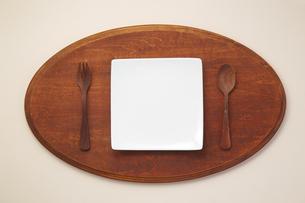 テーブルウェア-カトラリー-食卓-プレートの写真素材 [FYI04660129]