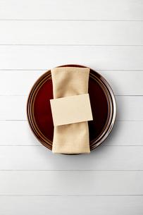 テーブルウェア-セッティング-コーディネート-装飾-メッセージカードの写真素材 [FYI04660146]