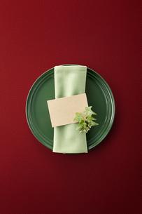 テーブルウェア-セッティング-コーディネート-装飾-メッセージカードの写真素材 [FYI04660149]