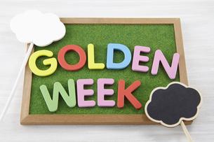 看板 プラカード Golden Weekの写真素材 [FYI04660323]