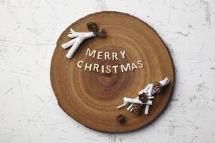 切り株-メリークリスマス-Merry Christmasの写真素材 [FYI04660651]
