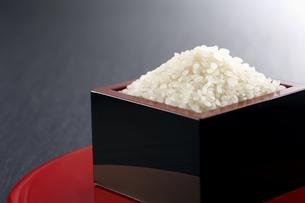 お米の収穫の写真素材 [FYI04660999]