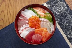 海鮮丼の写真素材 [FYI04661325]