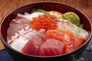 海鮮丼の写真素材 [FYI04661326]