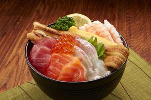 海鮮丼の写真素材 [FYI04661328]