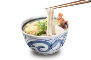天ぷら蕎麦 麺上げの写真素材 [FYI04661656]