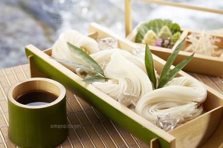 そうめん Somen(Japanese fine noodles)の写真素材 [FYI04661714]