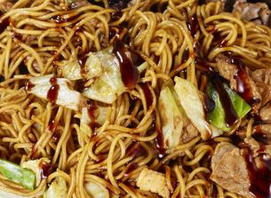 やきそば Yakisoba (stir-fried soba noodles)の写真素材 [FYI04661719]