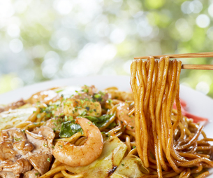 やきそば Yakisoba (stir-fried soba noodles)の写真素材 [FYI04661720]