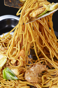 やきそば Yakisoba (stir-fried soba noodles)の写真素材 [FYI04661744]