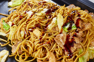 やきそば Yakisoba (stir-fried soba noodles)の写真素材 [FYI04661745]