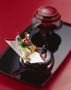 屠蘇器 (Spiced sake)の写真素材 [FYI04661944]