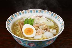 塩ラーメン Japanese Ramen Noodlesの写真素材 [FYI04662061]