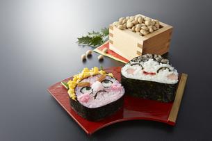 節分 恵方巻き 飾り寿司の写真素材 [FYI04662152]