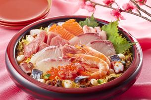 海鮮ちらし寿司(桃の節句)の写真素材 [FYI04662220]