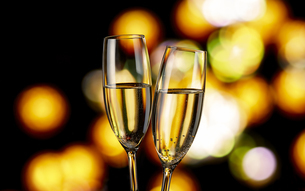 シャンパンで乾杯の写真素材 [FYI04662418]