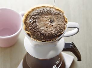 ドリップコーヒーの写真素材 [FYI04662422]