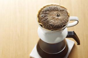 ドリップコーヒーの写真素材 [FYI04662434]