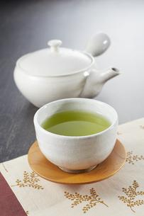 緑茶と急須の写真素材 [FYI04662466]