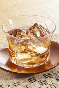 冷たいほうじ茶(加賀棒茶)の写真素材 [FYI04662580]