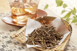 冷たいほうじ茶(加賀棒茶)の写真素材 [FYI04662586]
