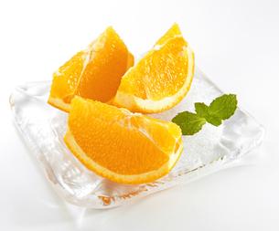 カットオレンジの写真素材 [FYI04662919]
