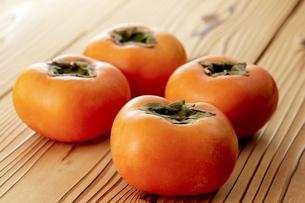 刀根柿 (Japanese persimmon)の写真素材 [FYI04662927]