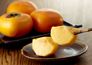 Japanese persimmon (刀根柿)の写真素材 [FYI04662951]