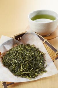 茶葉と緑茶の写真素材 [FYI04663209]