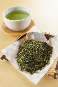 茶葉と緑茶の写真素材 [FYI04663218]